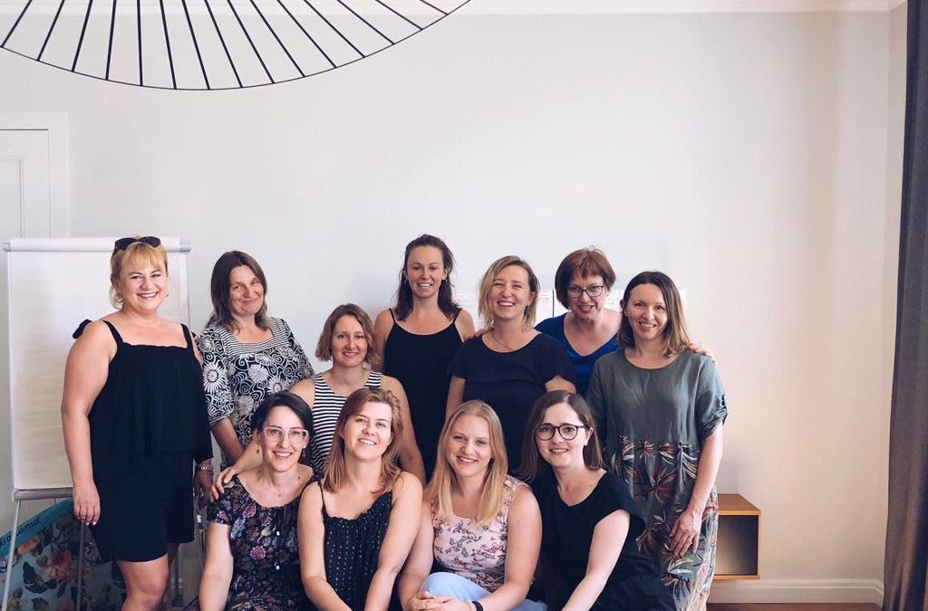 Her story Ania, Asia, Edyta, Jola, Kasia, Marta, Stasia, Zuza z pierwszej edycji Dojrzewalni Liderek